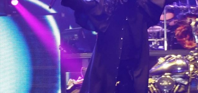 JUDAS PRIEST's ROB HALFORD Rocks Halloween Costume In Regina