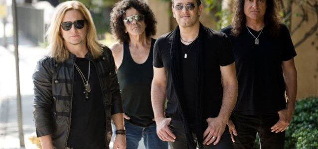 DEF LEPPARD's VIVIAN CAMPBELL Talks LAST IN LINE Debut Album, Upcoming Tour (Audio)