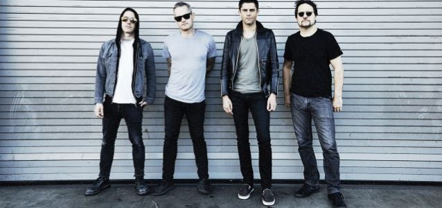 DAVE LOMBARDO's Anger Over Paris Attacks Is Fueling Aggression Of DEAD CROSS's Music
