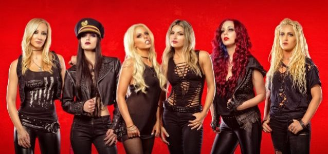 NITA STRAUSS: 'You Can Go Out There And Be A Hot Chick And Shred It Up On The Guitar'