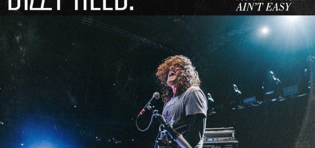 GUNS N' ROSES Keyboardist DIZZY REED To Release 'Rock 'N Roll Ain't Easy' Solo Album In February